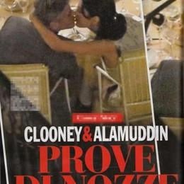Clooney, il bacio ad Amal  nella cena a Villa d'Este