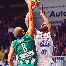 Basket: Cantù-Avellino è  finita  Ma Jones resta in campo a tirare