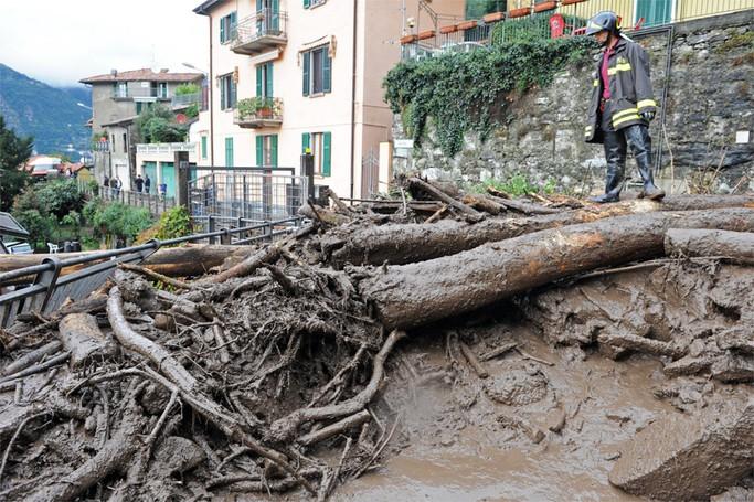 Blevio alluvione per esodanzione torrente di Sorto