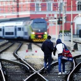 Treni, un disastro la linea comasca