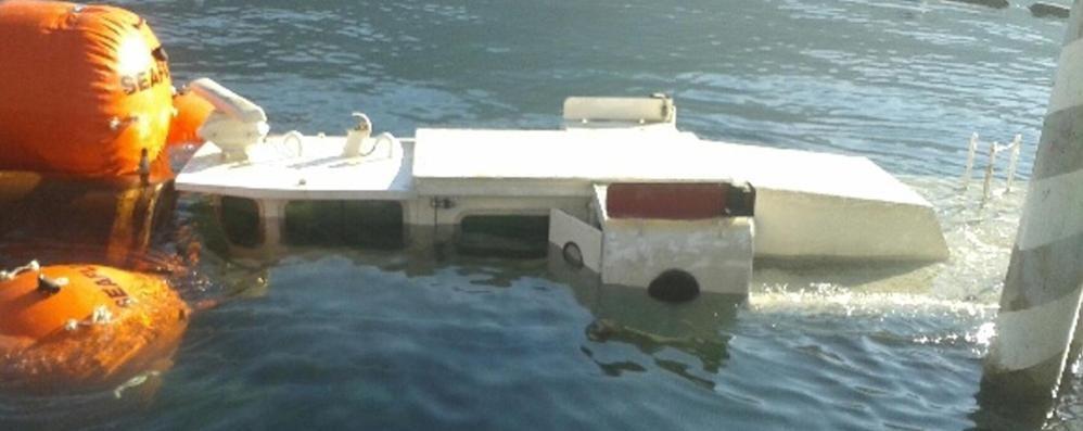 """È un'""""Aquila"""" colpita mortalmente   Il battellino affondato verrà demolito"""