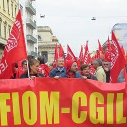 In corteo le tute blu di Lecco  «Lo sciopero è andato bene»