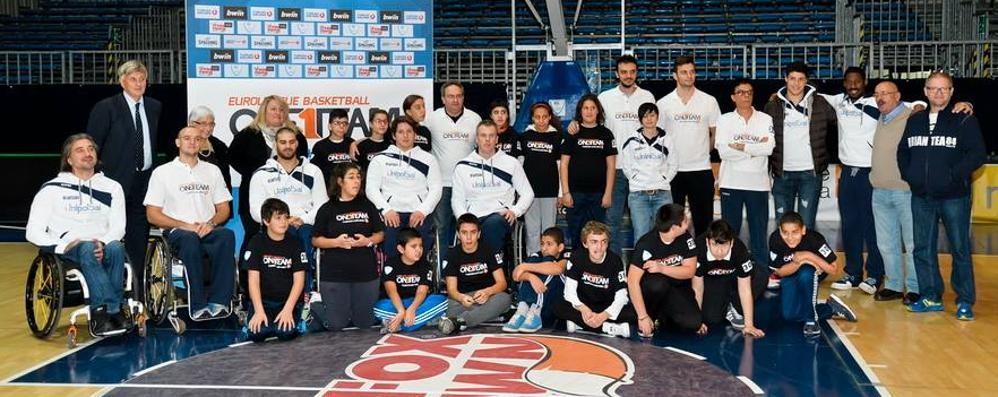 Insieme grazie al basket  Un team senza più confini
