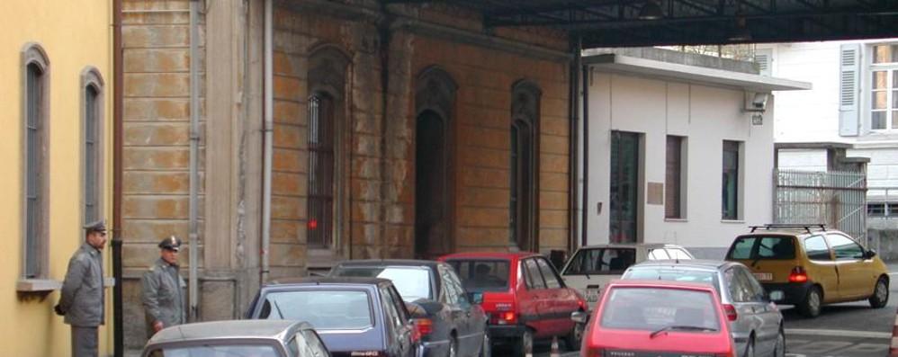 Como, denunciati due passatori  Portavano famiglia in Svizzera