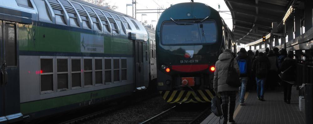 Mariano-Como con i mezzi: è un'odissea  Il treno più veloce passa per... Cesano