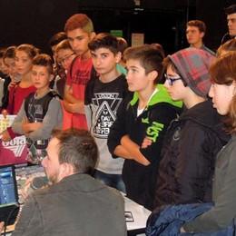 A Lariofiere la scuola che piace  Ventimila ragazzi a caccia del futuro