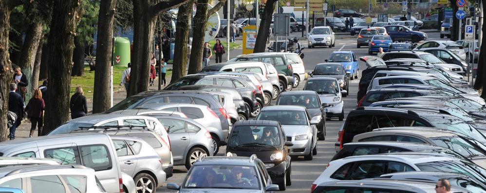 Lombardia, un'auto su 4 è da rottamare  Como la più giovane: mercato in crescita