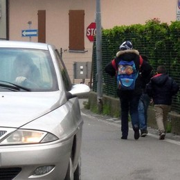 Mirabello: «Macché gironcino  Alle scuole serve un vigile