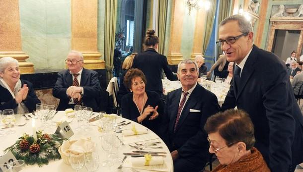 Nozze d'oro per 242  festa grande a Villa Olmo