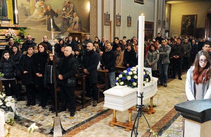 Montano Lucino funerale di Mattia Tortora