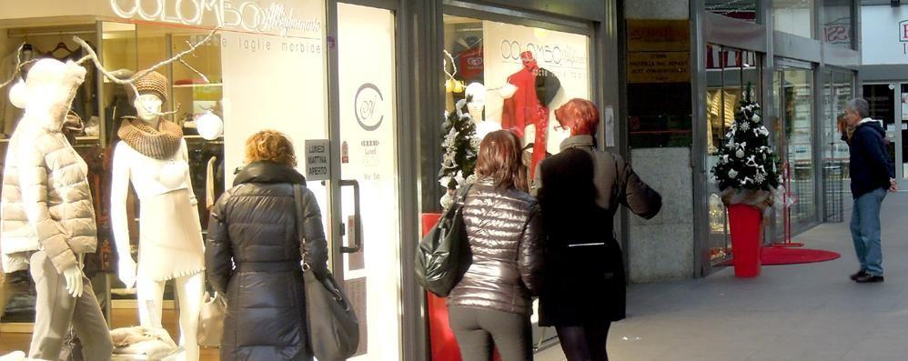 Natale, i commercianti sorridono: «Gli affari? Meglio del previsto»