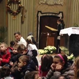 Villa Guardia, in 600 al santuario per la messa a misura di bambino