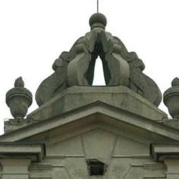 """Le campane in """"silenzio""""  Solidarietà al parroco"""