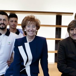 Letizia Moratti a Cantù: «Fare del bene per uscire dalla crisi»