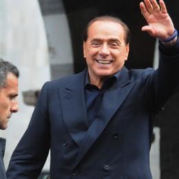 """Berlusconi più povero  Guadagna """"solo"""" 4,5 milioni"""