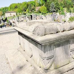 """Appiano dice basta alle lapidi  Sarà un cimitero """"all'americana"""""""