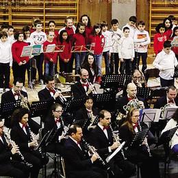 Le baby bande  invadono Arosio  Sul palco 200 musicisti