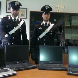 Computer rubati in auto  Ragazzo denunciato