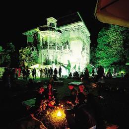 Pienone a Villa Bernasconi Arte e happy hour per 2mila