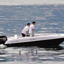 """Tremezzo, un'utilitaria sul lago Da Abbate la """"500"""" delle barche"""