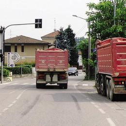 Cantù Asnago si ribella alla cava  «Stop ai camion nella frazione»