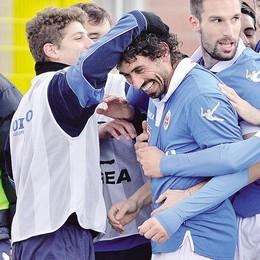 Nel nome di Borgonovo  I tifosi premiano l'azzurro migliore