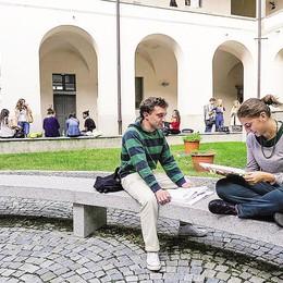 L'Insubria perde le borse di studio  Dal 2010 ad oggi sono 111 in meno