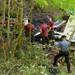 L' IDROVOLANTE CADUTO  Mistero sulle cause dell'impatto  Dolore per le tre vittime