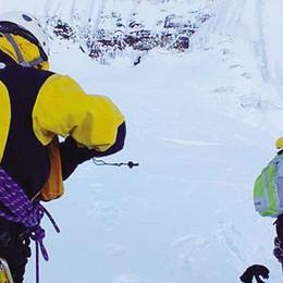 Alpinisti, sospeso il recupero  Troppi pericoli per le guide