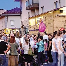Notte bianca,  un successo  Folla in festa a Vighizzolo