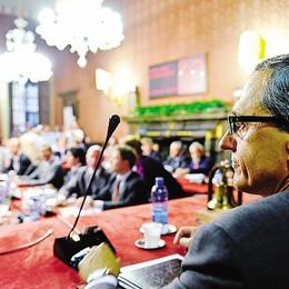 «No all'aumento delle tasse»  Il centrosinistra contro Lucini