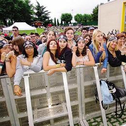 Killa, la pioggia raffredda i fans Sotto il palco l'abbraccio di 1300