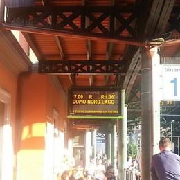 Linea interrotta sulle Nord  Pendolari nel caos