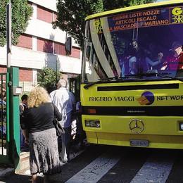 Carugo, lo scuolabus è fai da te  Il furgone comunale porta i bimbi
