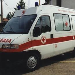 Incidente, grave un camionista  Rissa nella notte a Lazzago