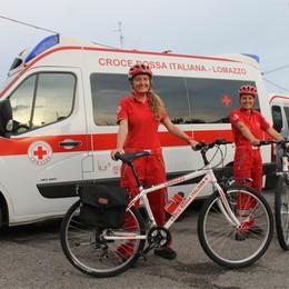 Lomazzo, farmaci a domicilio  Li consegna la Cri in bicicletta
