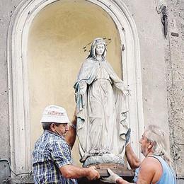 Casnate, tolta la Madonnina Tornerà sulla casa ricostruita