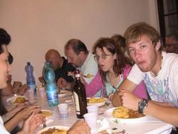 cena a Mulino del Trotto a cagno con ragazzi campo di lavoro estivo Legambiente