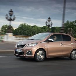 Peugeot 108 è glamour  La piccola francese piace