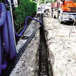 Porlezza, cavi tranciati e disservizi  Le fibre ottiche bloccano il traffico