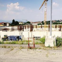 Palazzetto, ultimatum scaduto  Il Comune decide sulla coop