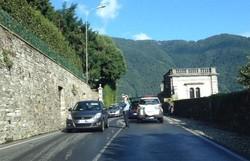 Traffico bloccato per l'incidente (la foto è stata postata su Facebook da Fabio Pozzoli Scudeletti)