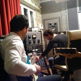 Da bottega a  studio musicale  Carugo seleziona nuovi talenti