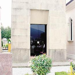 Neppure un fiore per Battisti  L'anniversario triste in Brianza