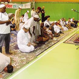 Verso la moschea a Cantù  Gli islamici: pronta a dicembre