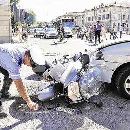 Al volante senza assicurazione  «Dopo l'incidente non pagano»