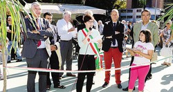 L'inaugurazione della mostra con il vicesindaco Silvia Magni