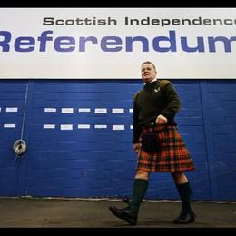 """La Scozia resta con Londra I """"no"""" vincono con il 55%"""