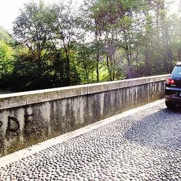 Inverigo: «Cara Regione  tieniti il tuo  ponte»