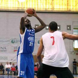 Basket: Cantù batte Roma  Determinante un grande Buva